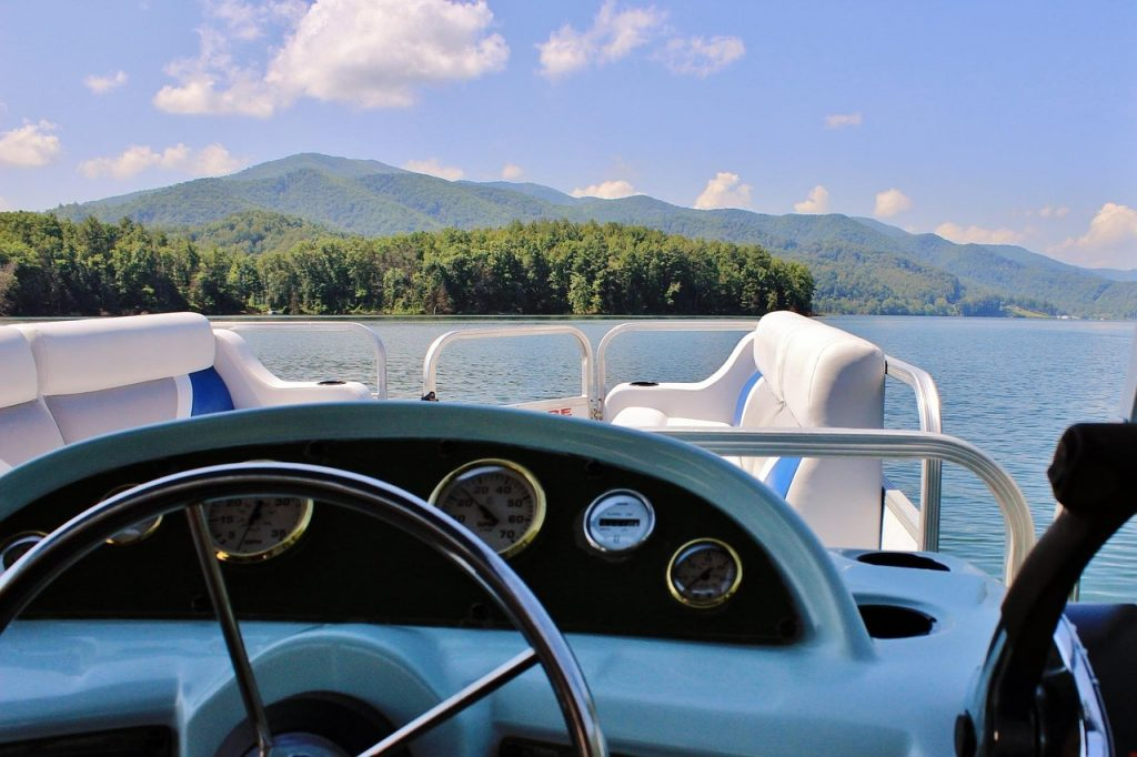 boat on the water, lake boat, boating, luxury, relaxation